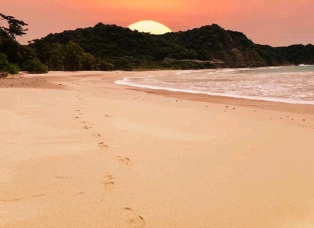 beach-2580656_960_720