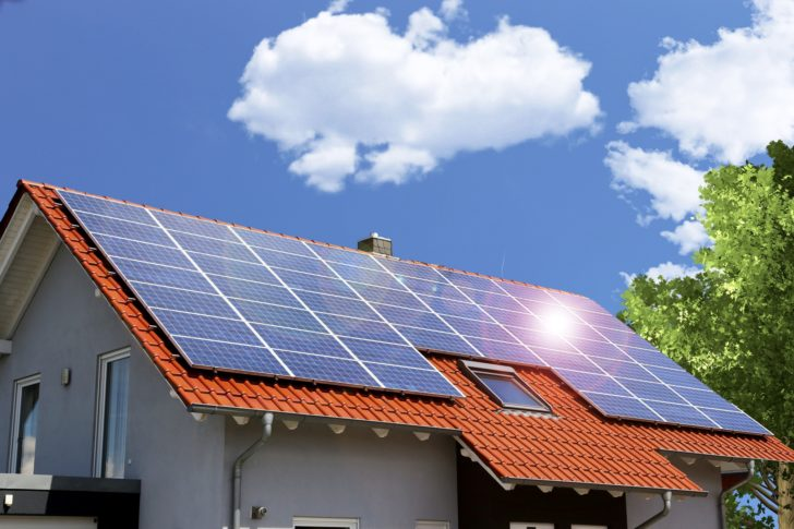 how much do solar panels save