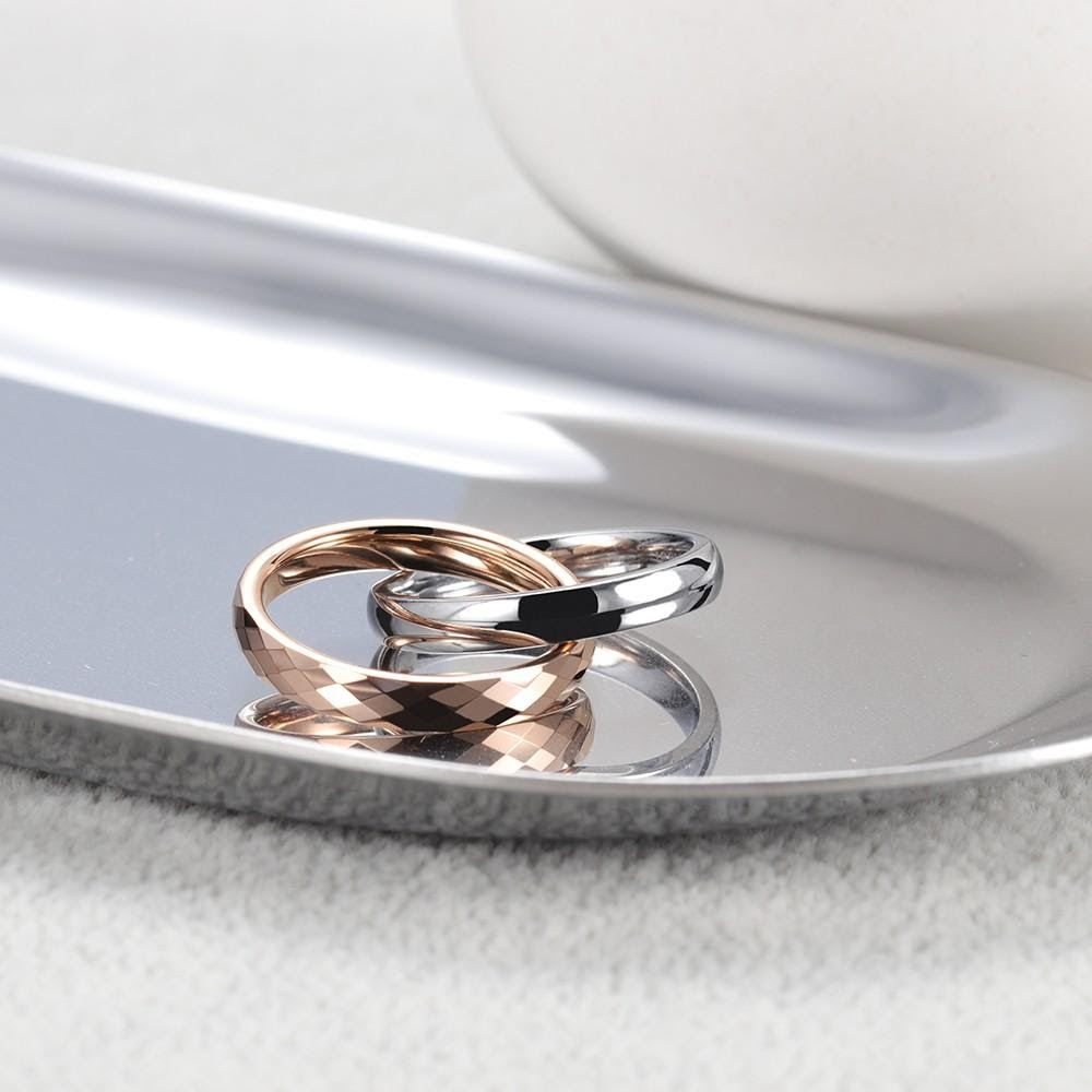 Inter-locked wedding bands for her