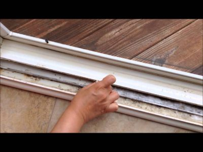 sliding door cleaning tips