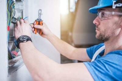 5 Questions You Must Ask an Electrician Before Hiring Them