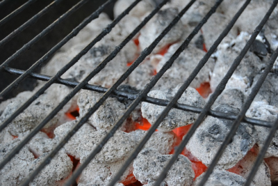 Avoid These 5 BIG Mistakes When Cooking On A Charcoal Grill