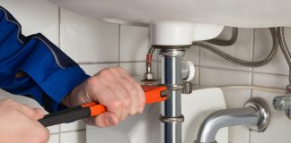 how much does a plumber charge per hour