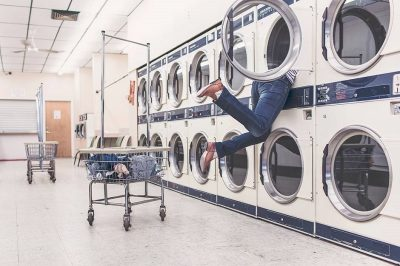"""5 Serious Reasons to Start Using the """"Laundro""""/Laundry Mat"""