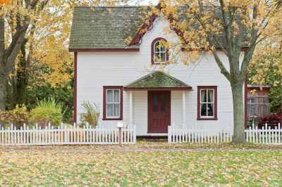 How to Choose Exterior Paint Color Combinations for Your Home