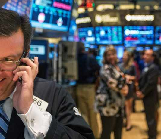 how to become a trader in america