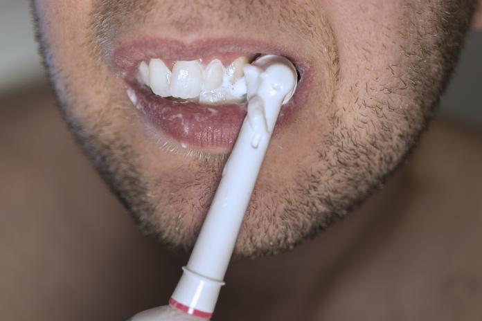 whitening toothpaste works