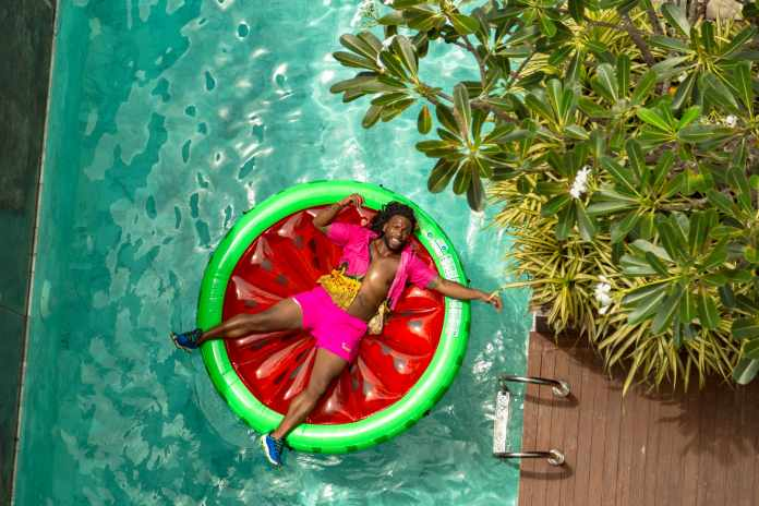 Easy Ways to Have Fun with Pool Floats