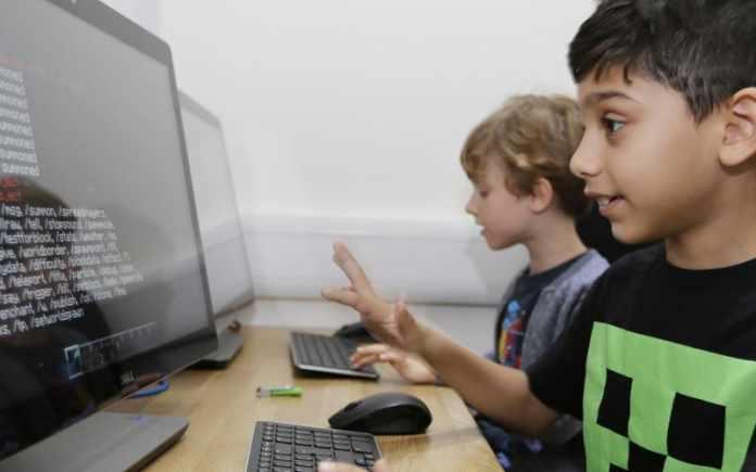 kids learn coding
