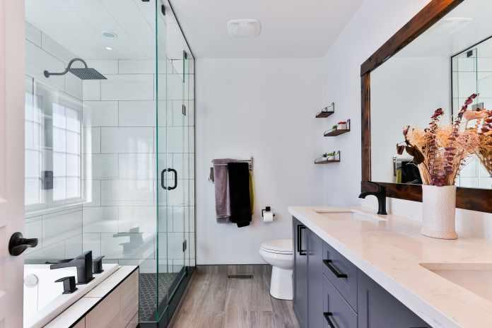bathroom in top condition